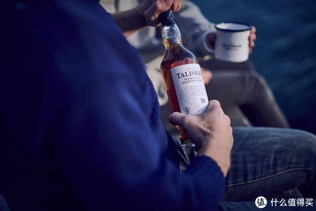 驾着满载威士忌的公路酒吧,一路向南