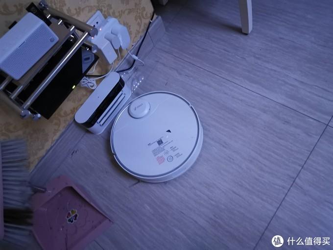 360扫地机器人 360x95扫地机器人,扫拖一体大水箱