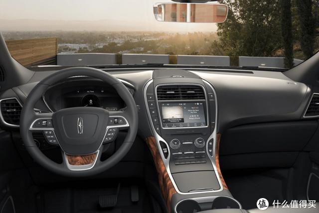 为了保值率买丰田普拉多?这款美系豪华SUV才是有钱人的大玩具