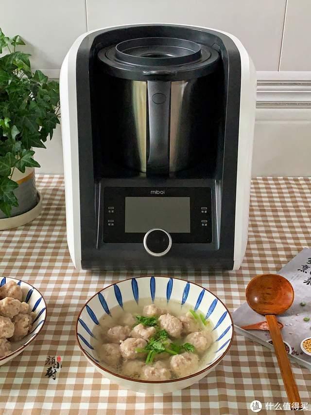 轻松在家自制肉丸,方法简单实用,Q弹嫩滑多汁,比买的还好吃