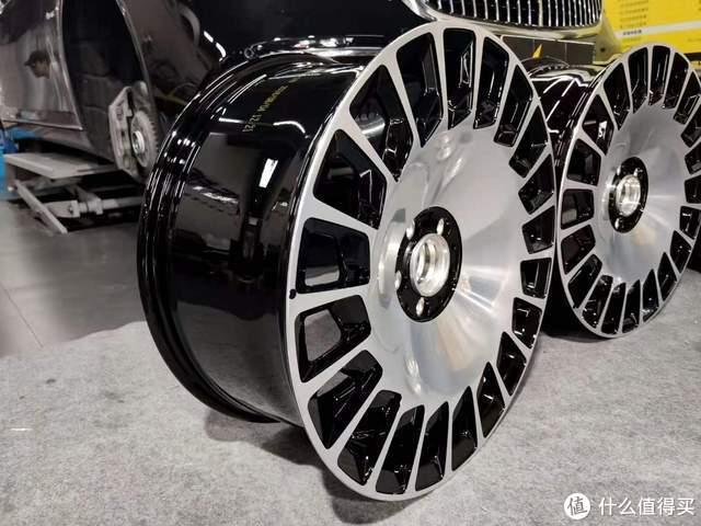迈巴赫S450改560原厂锯齿锻造轮毂,20寸滑着走的鞋