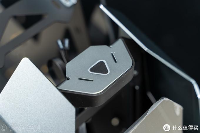 造型酷炫,华丽的不像是一款机箱、乔思伯 JONSBO MOD-5电竞游戏机箱 评测