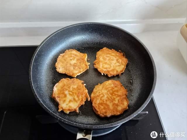 晒晒老两口的极简早餐,分量少味道好,吃完一身爽!网友:减肥餐