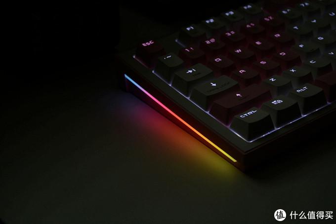 又一款为女性玩家定制的键盘,微星GK50Z PIXEL机械键盘开箱