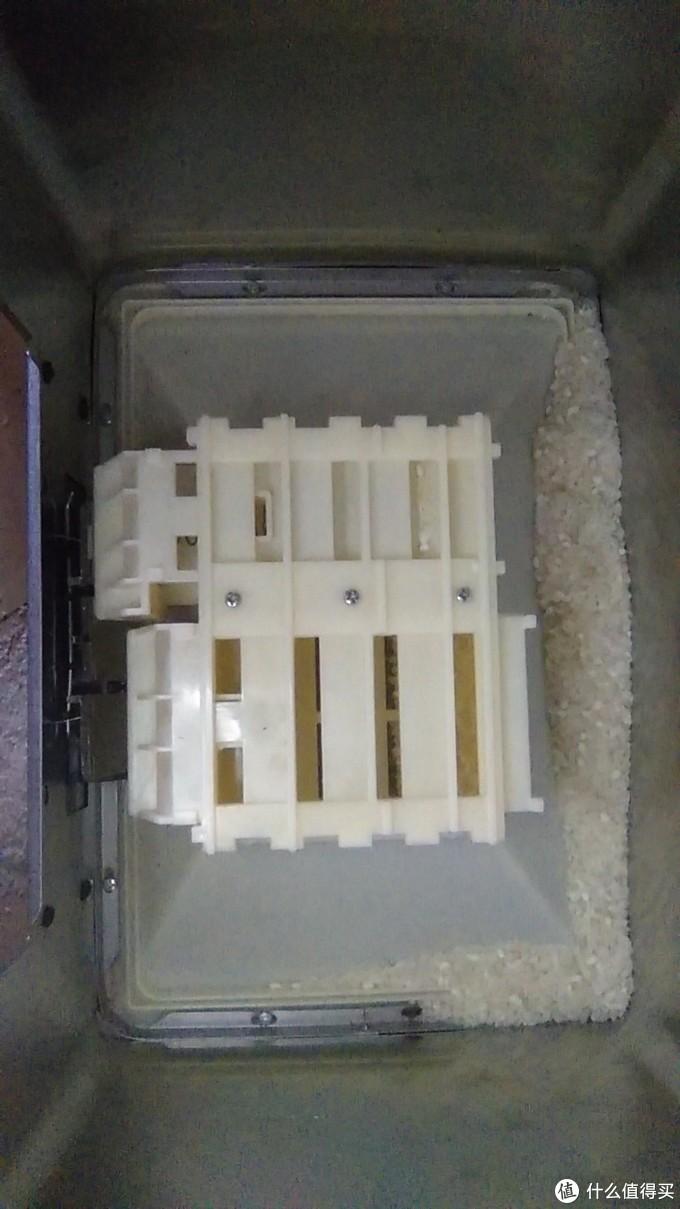 抽拉式出米机芯易卡弹簧,哪怕是不锈钢外壳的计量米箱也可能会10个月坏