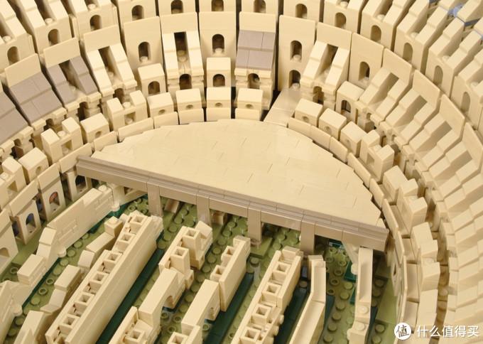 上百个拱门的无尽重复拼搭?乐高10276 罗马斗兽场详尽开箱评测