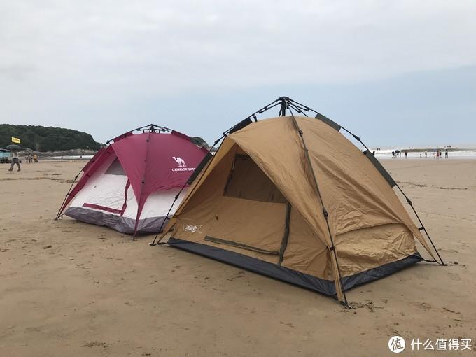 这样对比来看,领路者帐篷稍微要高一些。