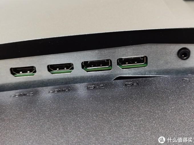 USB和显示接口是分开的,显示接口为2个HDMI、2个DP口