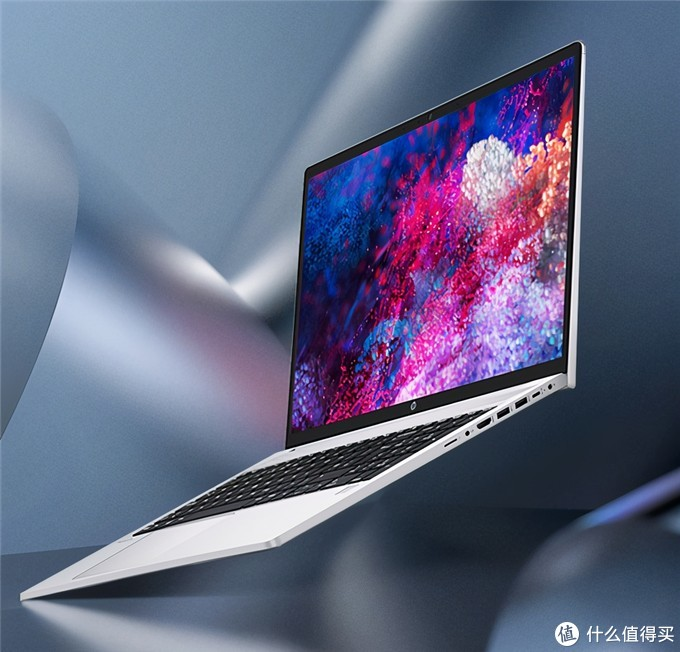 「科技犬」11月新品笔记本PC盘点:除了苹果,还有啥值得买?