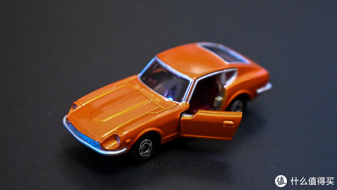 最近几年双十一必入Takara Tomy,50周年纪念款车模入手