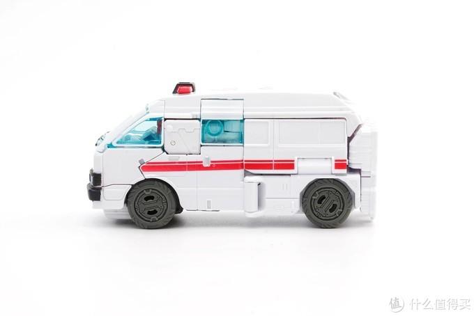 看官方如何演绎鸡贼----变形金刚银河探险系列救护车&回春手套装玩评