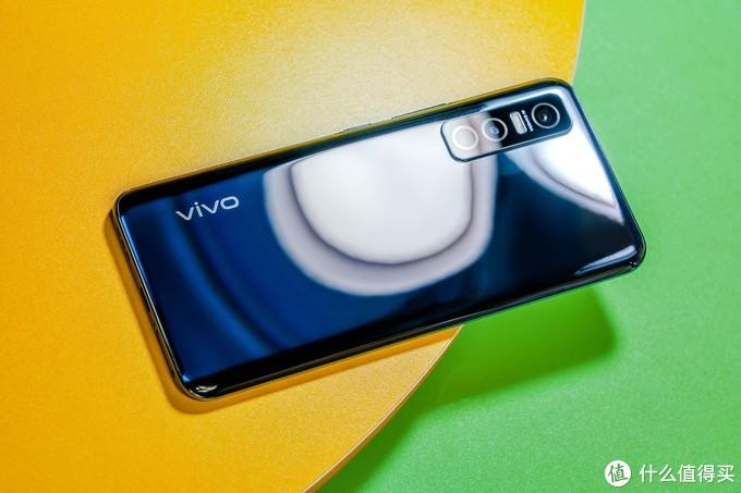 vivo Y73s 5G版体验:屏幕和摄像头升级加量不加价
