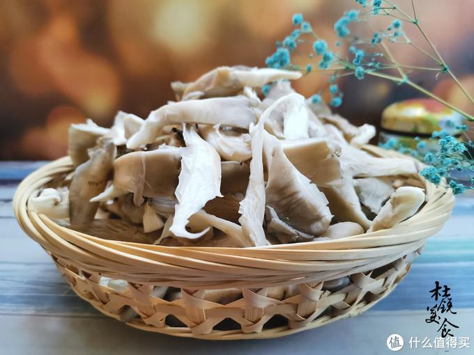 炒蘑菇,有1必加1不加1不做,常有人做错,难怪蘑菇不鲜香