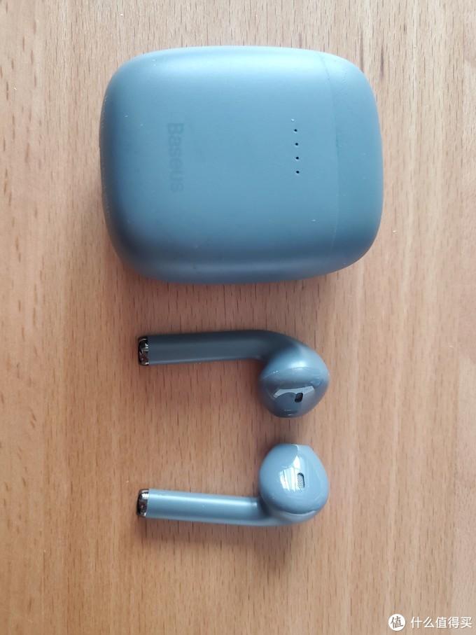 盒子和耳机本体