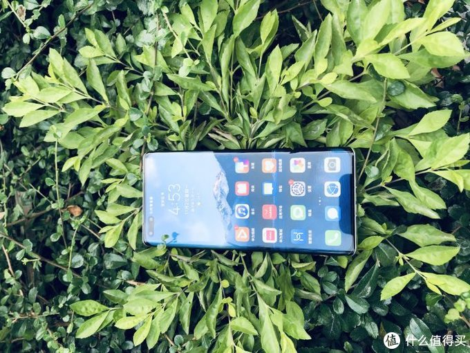 你的手机习惯贴膜吗?那华为mate40Pro贴什么膜?