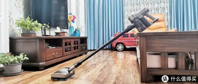 边吸边拖,一机搞定,85后小夫妻高效清扫好帮手——洒拖F6吸拖一体机使用评测