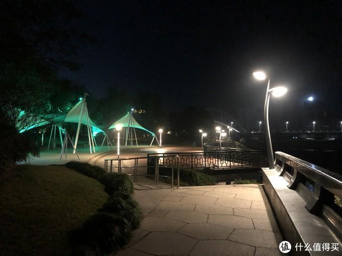 滨江公园,没人