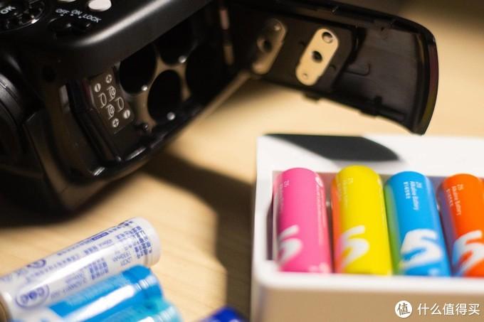 还在用化学充电电池?为了安全和寿命,看看充电电池的新选择吧