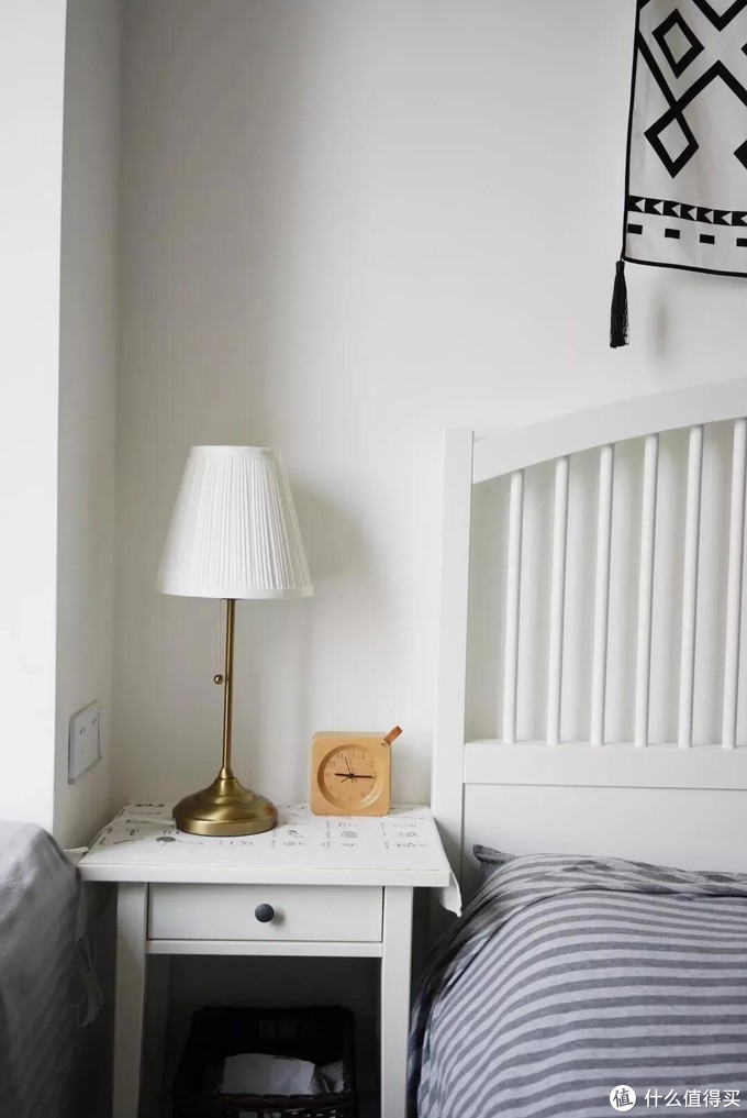 提升卧室颜值,床头柜就这样设计