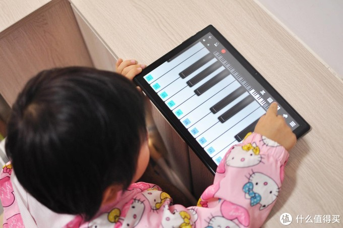 恰逢双11,补伪开箱台电M40平板电脑,这款机器能用来给孩子上网课吗?