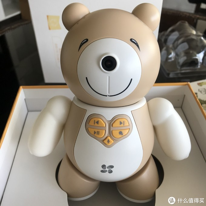 儿童智能机器人——带你看体面实用又拿得出手的送礼好物,萤宝陪护机器人开箱
