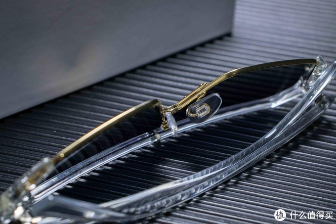 值的买的一款高档护目镜,没有高颜值的人还不敢戴
