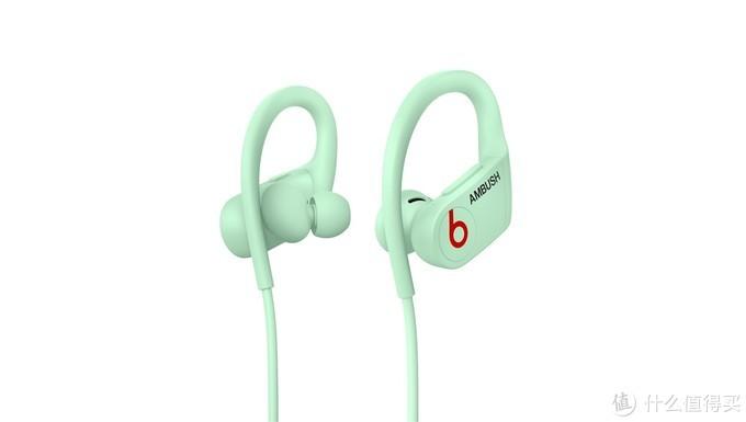 Beats 联合日本潮牌 AMBUSH 推出夜光版 Powerbeats 蓝牙耳机