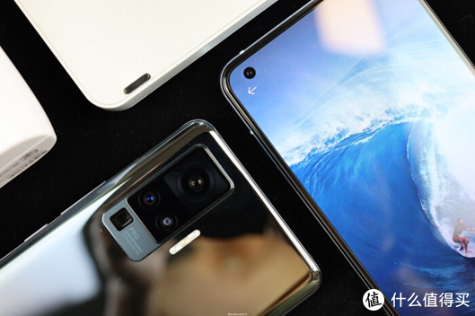 vivo X50和X50 Pro上手体验:极致轻薄和旗舰拍照