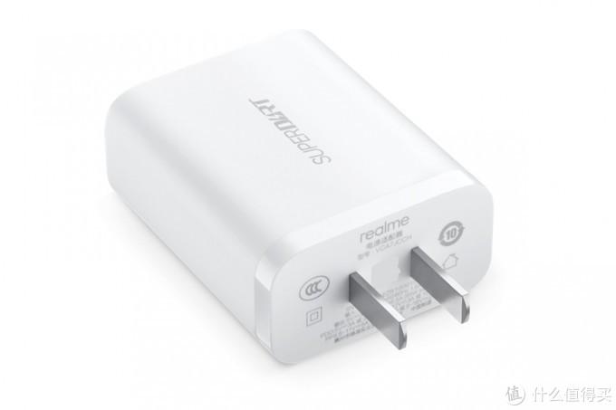realme 65W氮化镓充电器开售,改用USB-C接口还带有PD快充