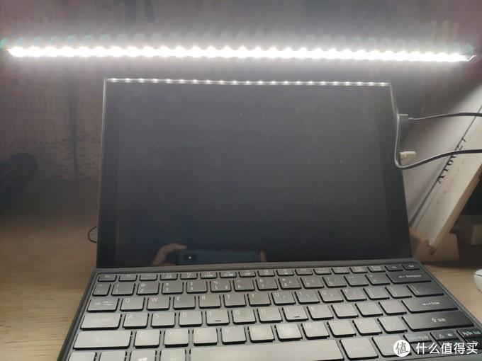 推荐一个不常见的屏幕灯-UPSHINE非对称屏幕灯使用感受