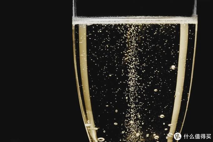 【高级装X指南】怎么从气泡判断起泡酒的好坏?