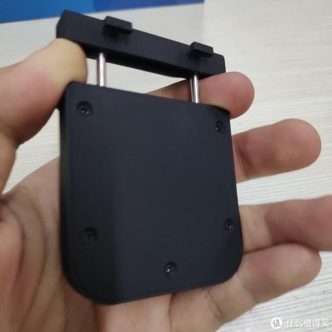 接收端支架:抽拉式夹子,用来固定在显示设备上