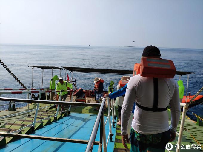 我在西沙群岛过国庆:红旗飘扬在国境之南(下)