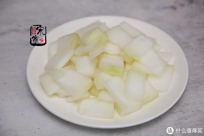 """它是最""""水""""的瓜,含水量95%,冬天干燥多吃些,皮肤水润"""