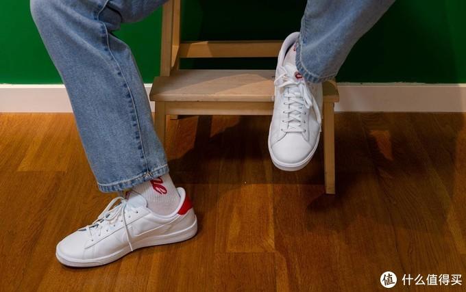 双12小白鞋怎么选:社畜的阿迪VS耐克