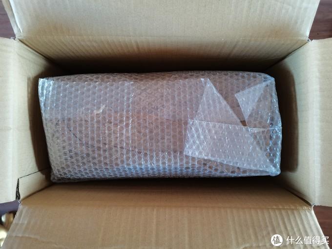 再打开里边还有两头的泡沫撑档,里边还有泡泡纸包裹