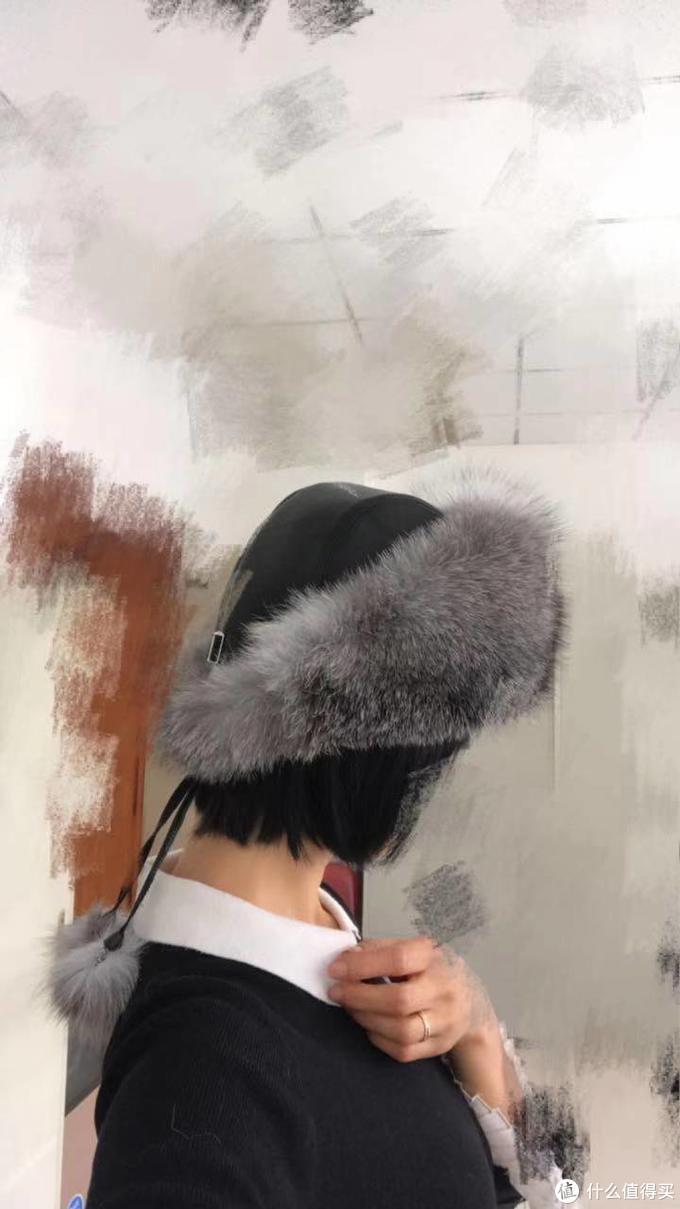 中年小仙女的皮衣/皮手套/皮裤/皮帽子、装年轻的棉服/羽绒服/毛衣