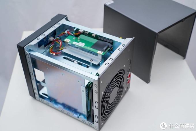 华硕也出NAS了?华硕AS6604T 测评体验!四盘位 双2.5G网口 J4125处理器!