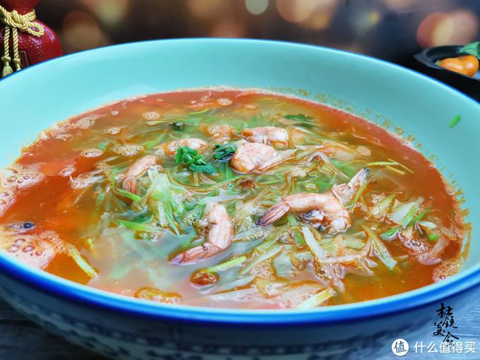 烧大虾,很多人第1步就做错,难怪烧出的汤不鲜还不出红油