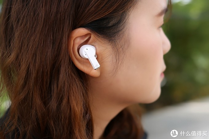 dyplay ANC Pods主动降噪真无线蓝牙耳机,硬朗风范下的柔美之音