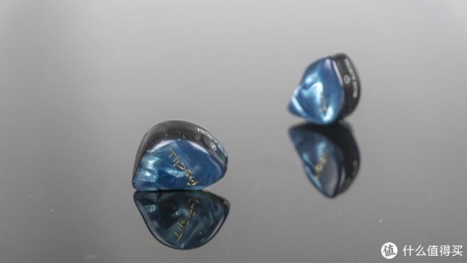 简约不简单的精致小物——微醺蓝极光动铁耳塞小评