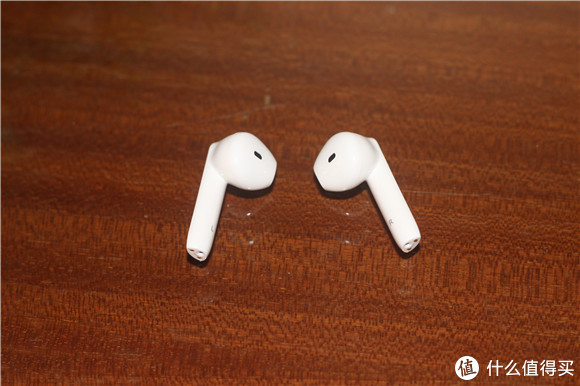 小巧精致,佩戴牢固舒适-南卡 半入耳真无线蓝牙耳机Lite Pro