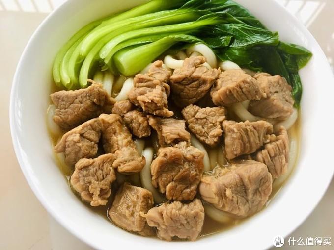 青菜卤牛肉乌冬汤面(省去卤牛肉时间数小时)