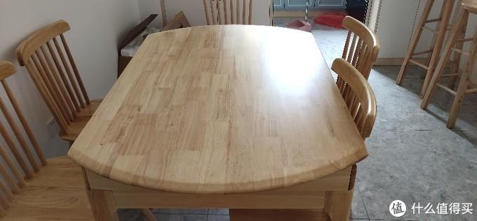 淘宝随意选的一套橡胶木餐桌椅