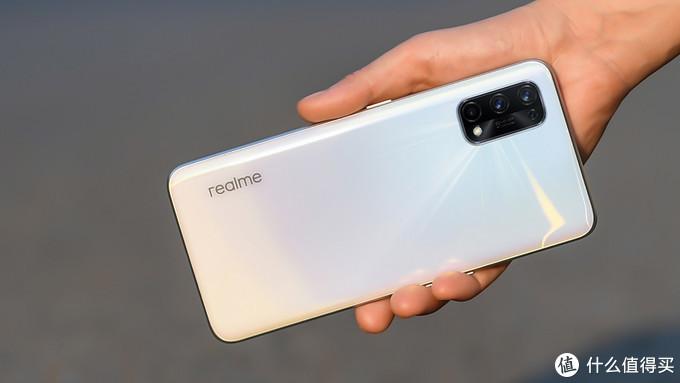 预算不足?2000元价位想换5G手机最值得入手的机型都在这里