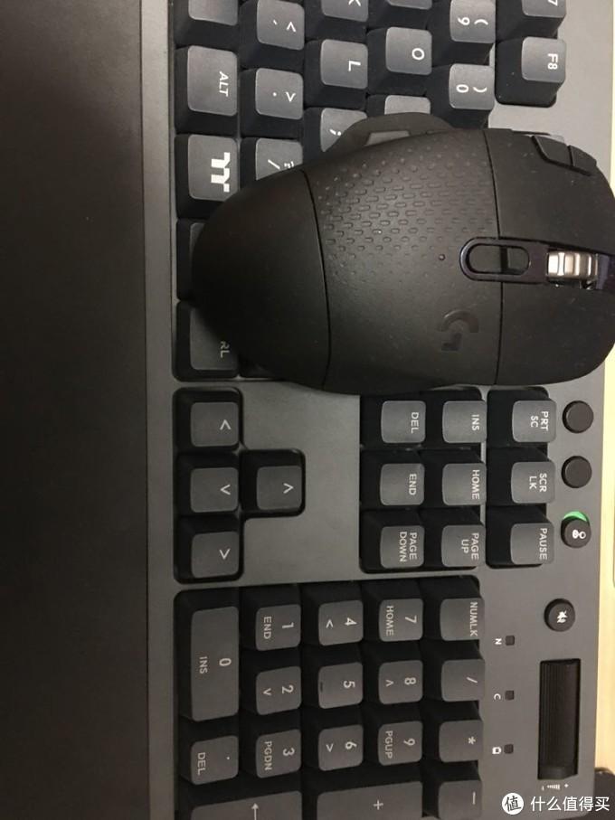 键盘和鼠标黑色组合