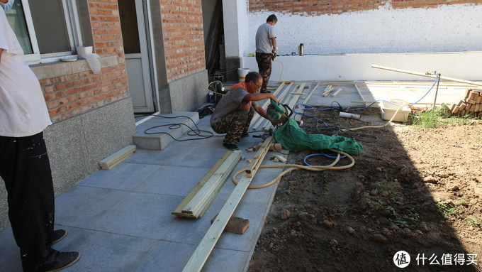 准备做防腐木围栏和地台