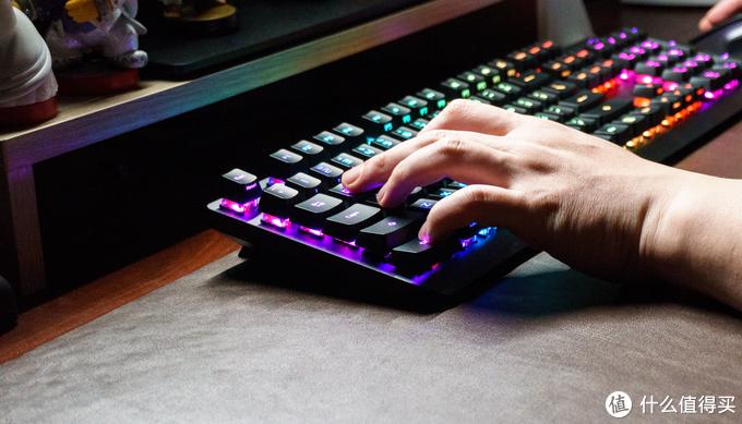 """有光也有手感,不""""光""""是信仰支撑:ROG游侠RX光轴键盘"""