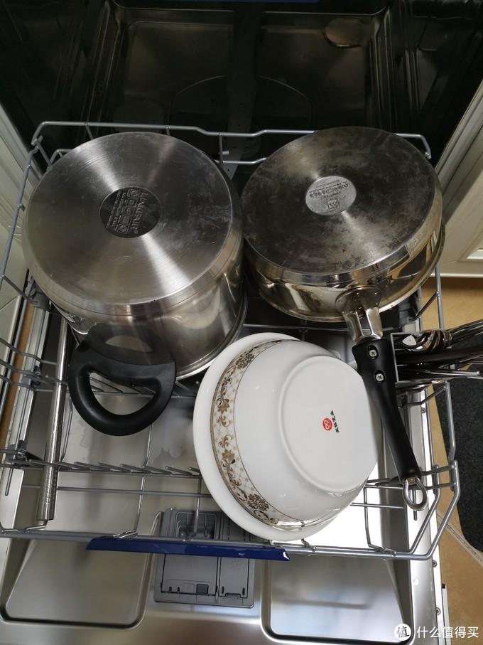 炒锅蒸锅平底锅都是可以放进去洗的