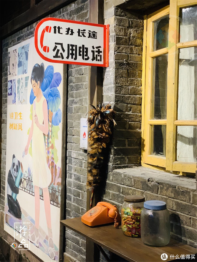 重庆网红景点洪崖洞,建在悬崖上的11层迷宫,每一楼都有些什么?